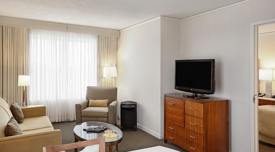 InterContinental Suites Hotel Cleveland-5 of 27 photos
