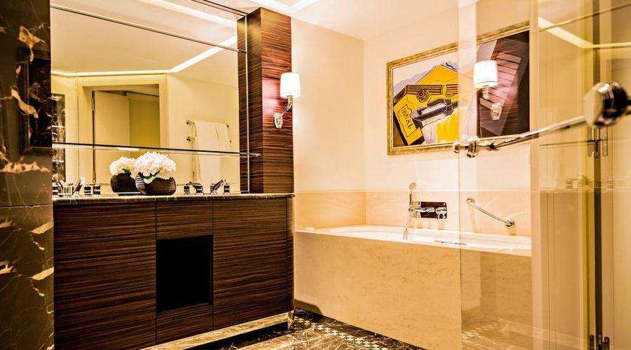 Prince de Galles, a Luxury Collection Hotel, Paris-9 of 51 photos