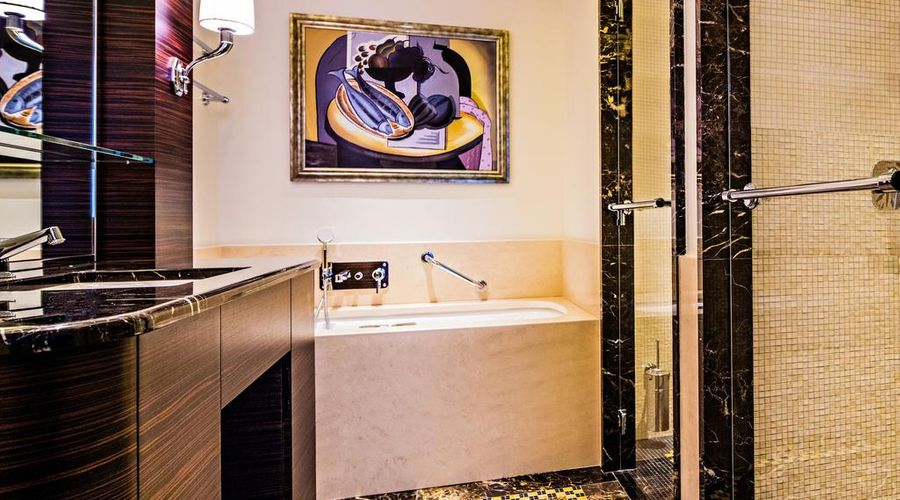 Prince de Galles, a Luxury Collection Hotel, Paris-10 of 51 photos