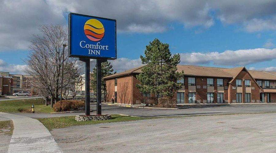 Comfort Inn Highway 401-1 of 33 photos