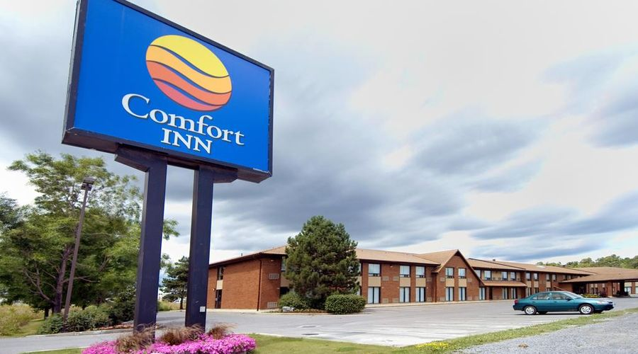 Comfort Inn Highway 401-26 of 33 photos