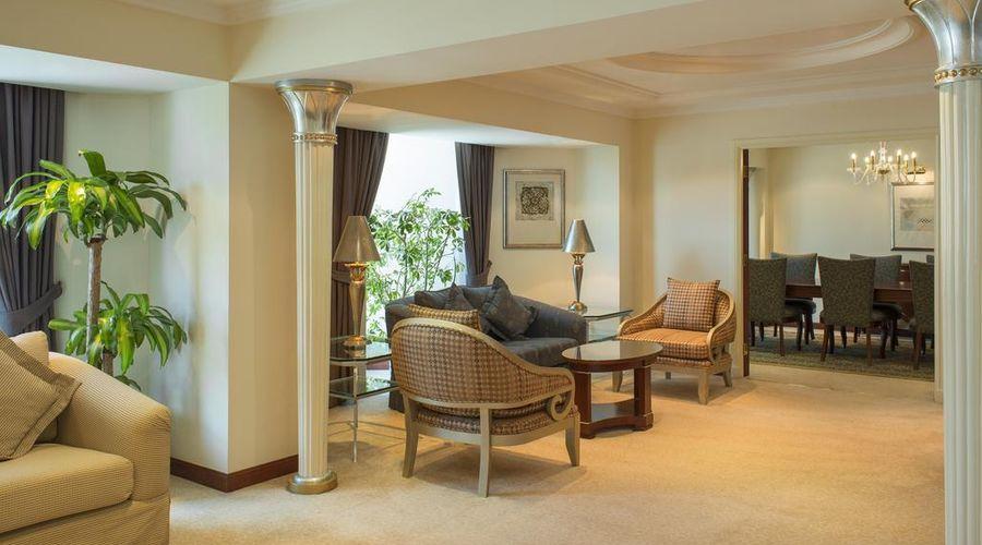 Sheraton Bahrain Hotel-8 of 43 photos