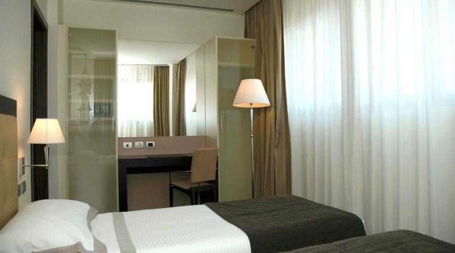 Hotel Cruise-18 of 42 photos