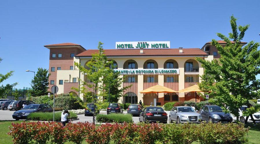 Just Hotel Lomazzo Fiera-1 of 44 photos