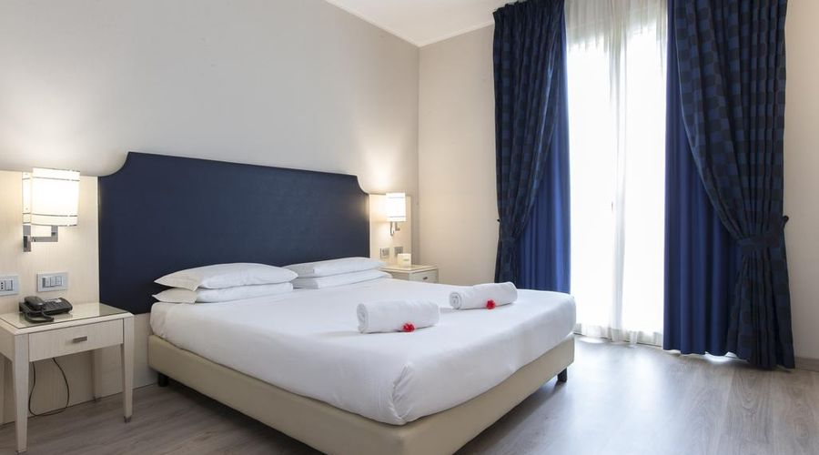 Just Hotel Lomazzo Fiera-14 of 44 photos