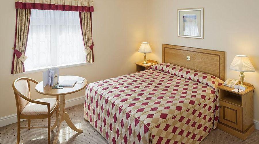 Oatlands Park Hotel-3 of 41 photos