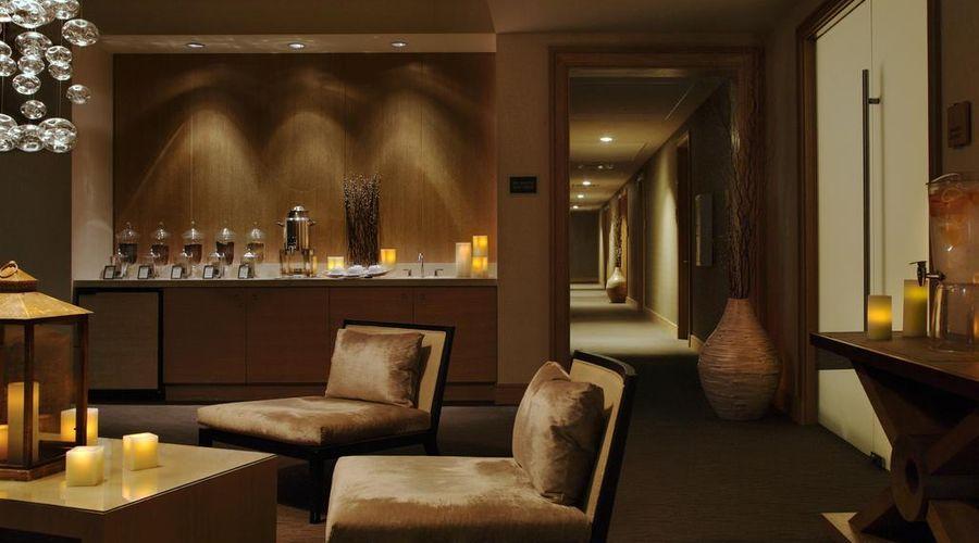 Trump International Hotel & Tower Chicago-13 of 44 photos