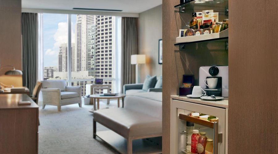 Trump International Hotel & Tower Chicago-18 of 44 photos