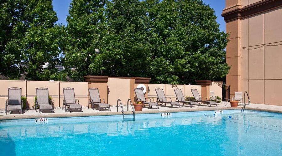 Holiday Inn O'Hare-31 of 35 photos