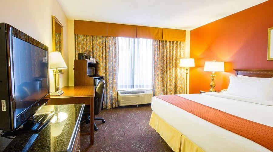 Holiday Inn O'Hare-12 of 35 photos