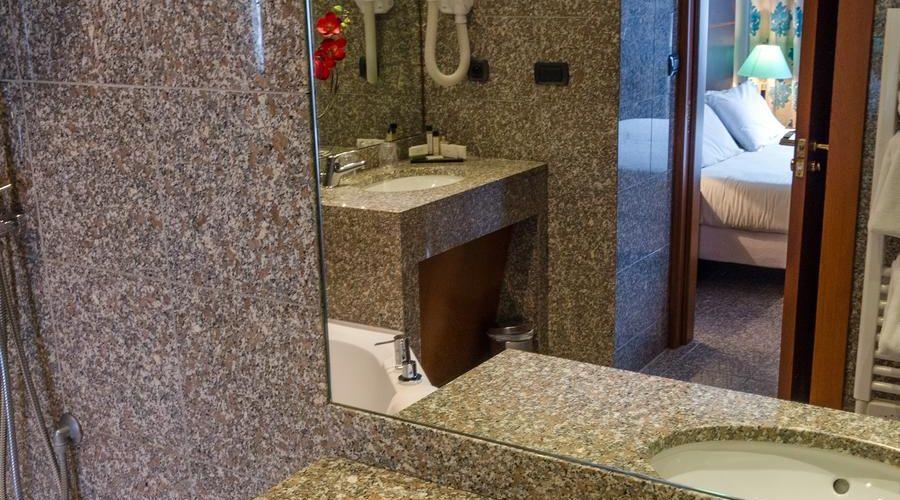 Hotel Goldstar Resort & Suites-32 of 51 photos