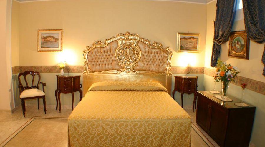 Hotel Art Resort Galleria Umberto-18 of 53 photos
