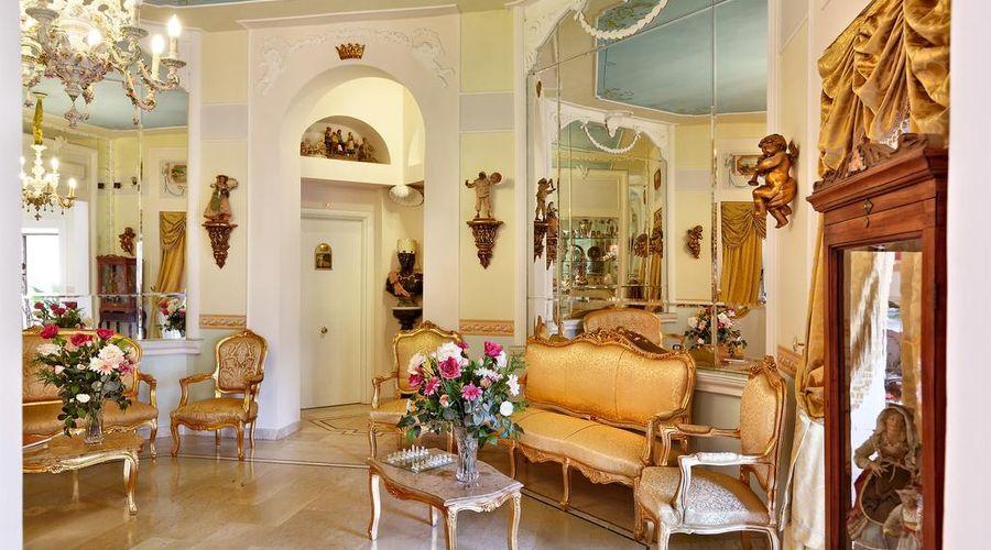 Hotel Art Resort Galleria Umberto-22 of 53 photos