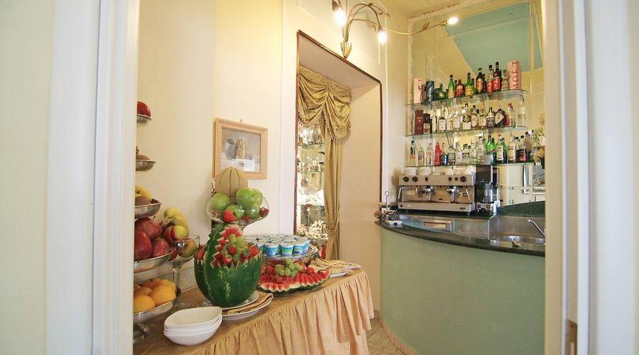 Hotel Art Resort Galleria Umberto-33 of 53 photos