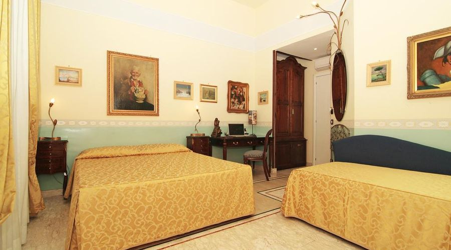 Hotel Art Resort Galleria Umberto-5 of 53 photos
