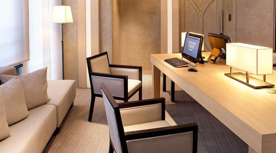 Radisson Blu Royal Hotel, Brussels-35 of 42 photos
