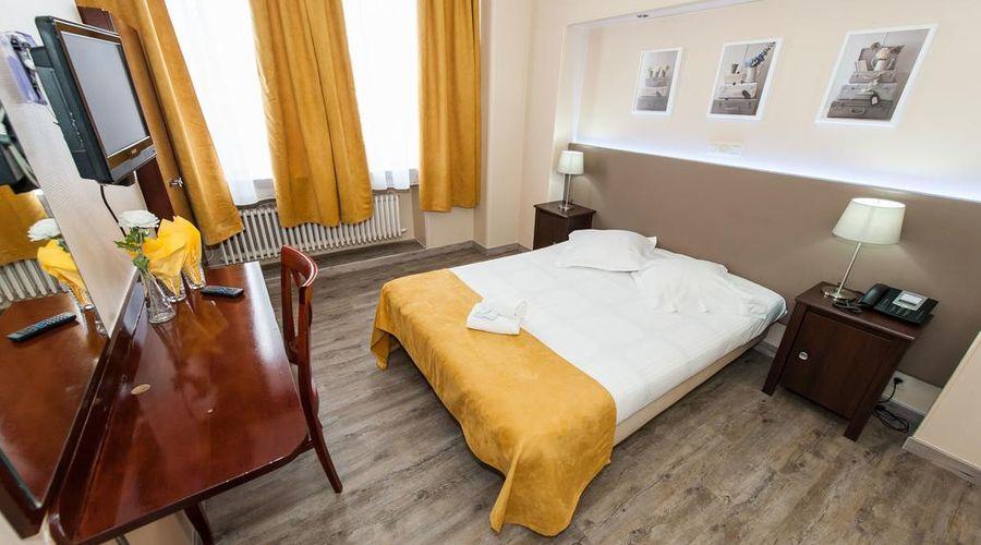 Hotel de France-25 of 48 photos