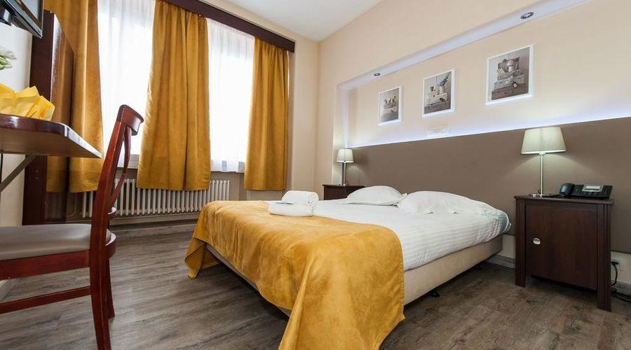 Hotel de France-26 of 48 photos
