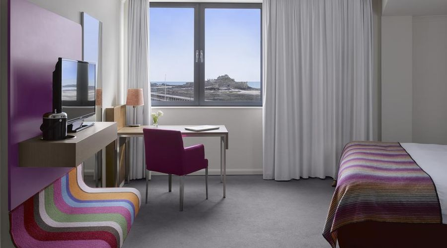Radisson Blu Waterfront Hotel, Jersey-27 of 44 photos
