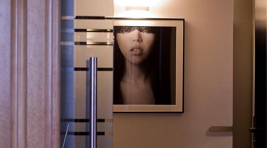 سويت فالاديير-11 من 55 الصور