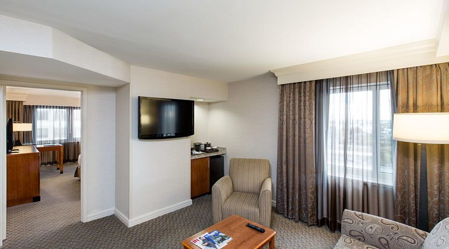 فندق هيلتون نيويورك جي اف كي ايربورت-16 من 24 الصور