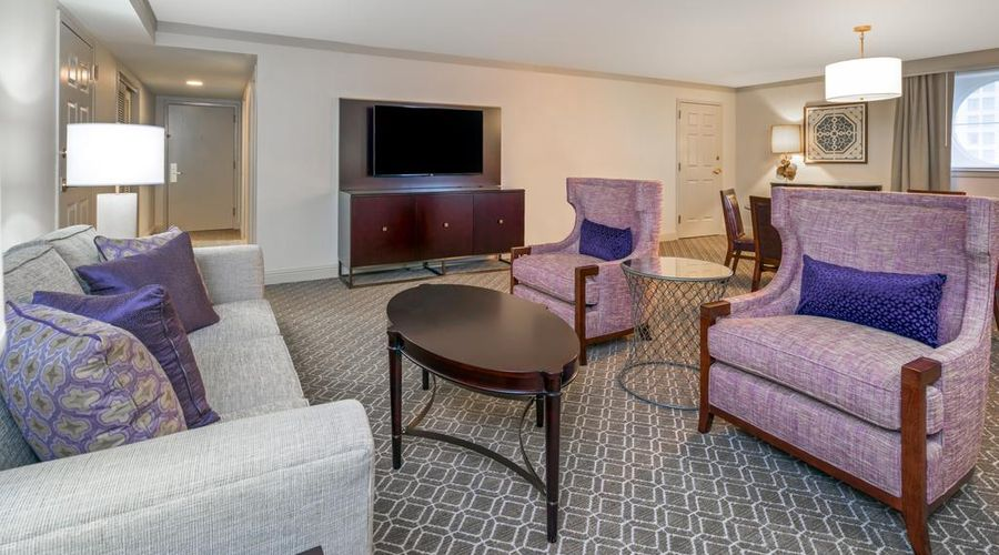 Astor Crowne Plaza New Orleans-13 of 45 photos