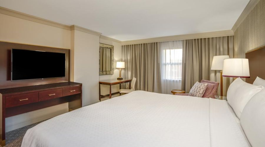 Astor Crowne Plaza New Orleans-7 of 45 photos