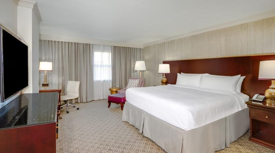 Astor Crowne Plaza New Orleans-8 of 45 photos