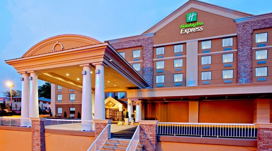 Holiday Inn Express North Bergen Lincoln Tunnel-2 of 24 photos