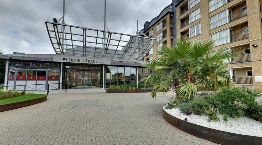 DoubleTree by Hilton London - Docklands Riverside-1 of 41 photos