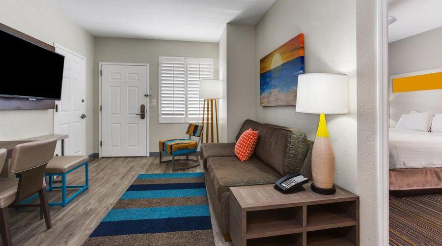 Holiday Inn Resort Orlando Suites - Waterpark-19 of 42 photos