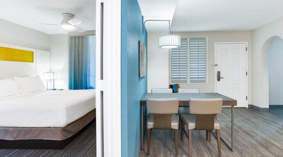 Holiday Inn Resort Orlando Suites - Waterpark-29 of 42 photos
