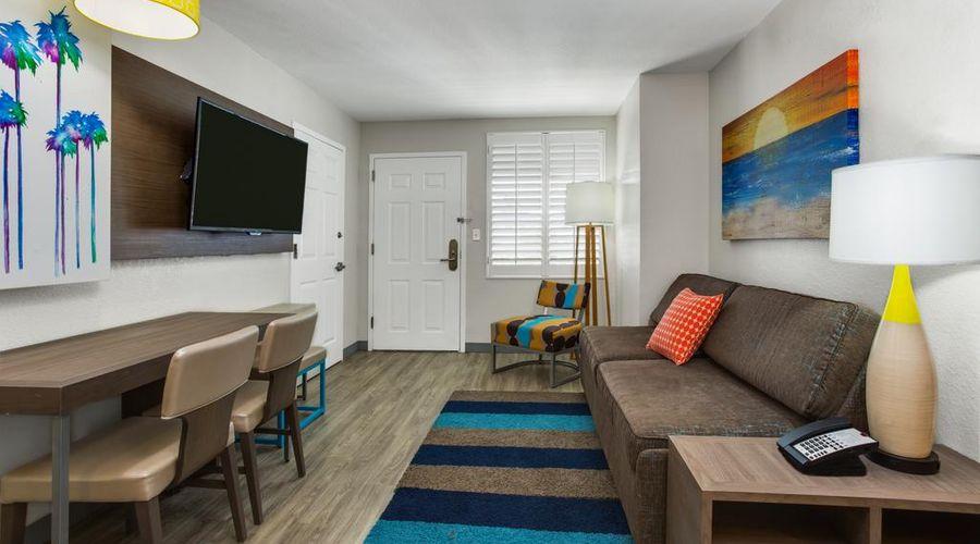Holiday Inn Resort Orlando Suites - Waterpark-34 of 42 photos