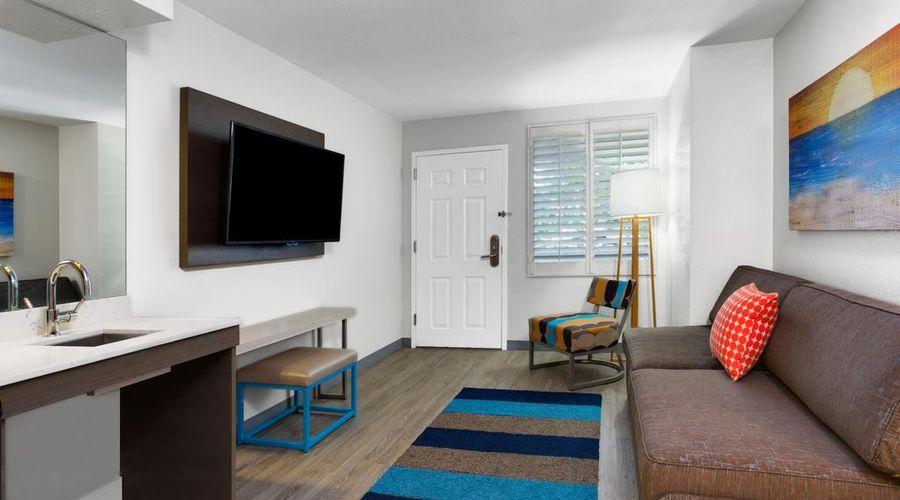 Holiday Inn Resort Orlando Suites - Waterpark-35 of 42 photos