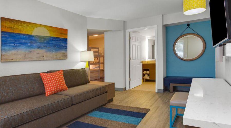 Holiday Inn Resort Orlando Suites - Waterpark-37 of 42 photos