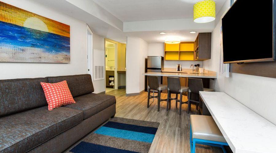 Holiday Inn Resort Orlando Suites - Waterpark-11 of 42 photos