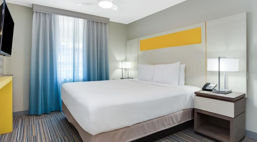 Holiday Inn Resort Orlando Suites - Waterpark-12 of 42 photos