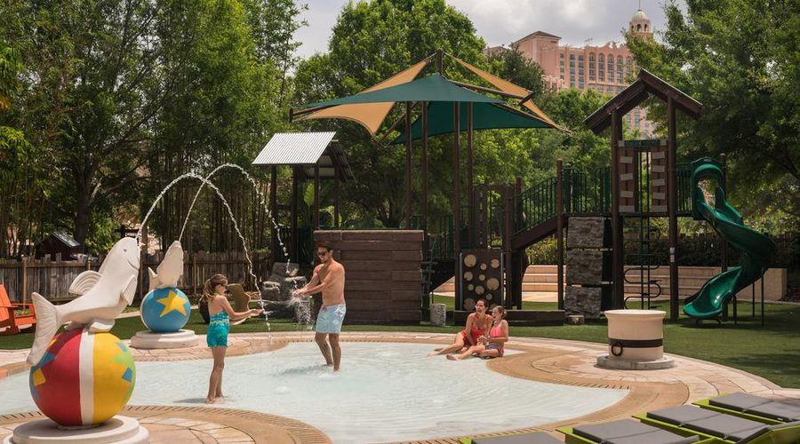 The Ritz-Carlton Orlando, Grande Lakes-8 of 41 photos