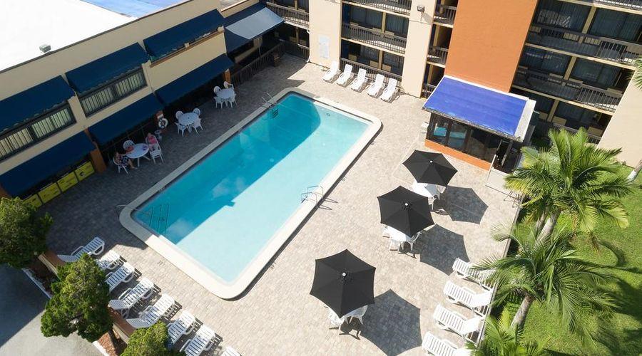 Orlando Continental Plaza Hotel-12 of 45 photos