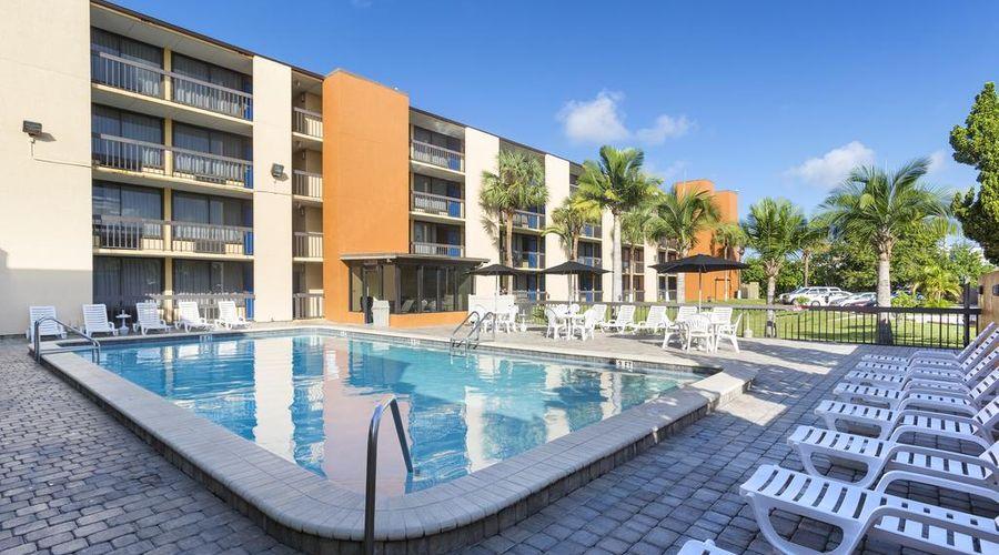Orlando Continental Plaza Hotel-4 of 45 photos