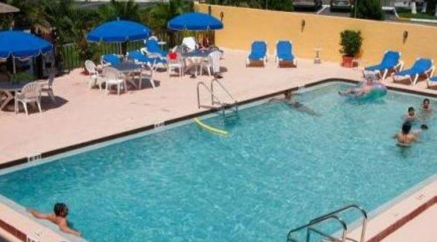 Orlando Continental Plaza Hotel-30 of 45 photos