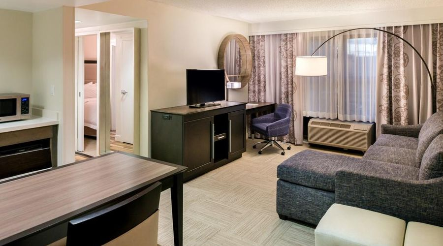 Hampton Inn & Suites Orlando/East UCF Area, FL-3 of 45 photos
