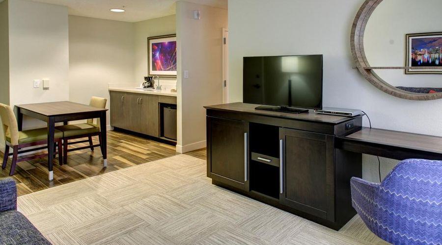 Hampton Inn & Suites Orlando/East UCF Area, FL-5 of 45 photos
