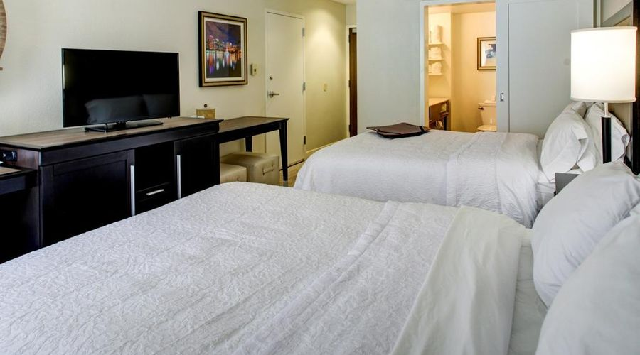 Hampton Inn & Suites Orlando/East UCF Area, FL-8 of 45 photos