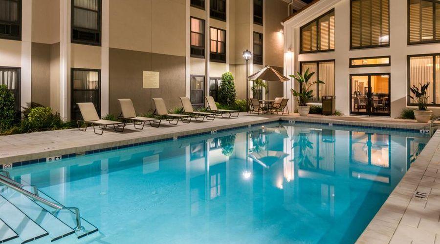 Hampton Inn & Suites Orlando/East UCF Area, FL-10 of 45 photos