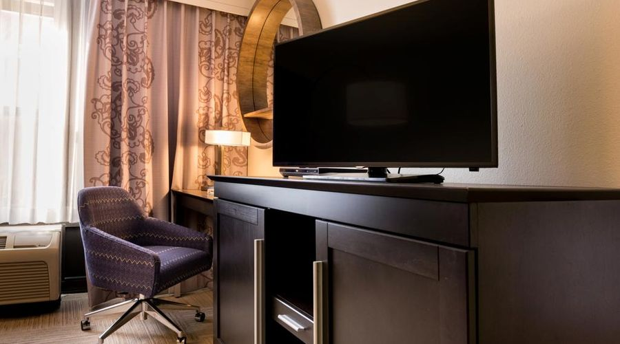 Hampton Inn & Suites Orlando/East UCF Area, FL-13 of 45 photos