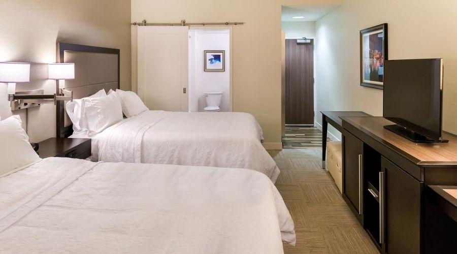 Hampton Inn & Suites Orlando/East UCF Area, FL-16 of 45 photos