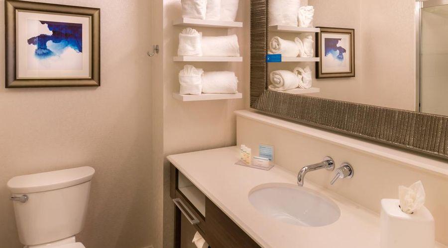 Hampton Inn & Suites Orlando/East UCF Area, FL-20 of 45 photos