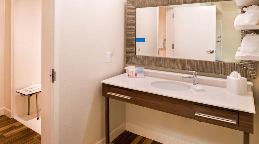 Hampton Inn & Suites Orlando/East UCF Area, FL-24 of 45 photos