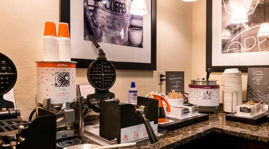 Hampton Inn & Suites Orlando/East UCF Area, FL-29 of 45 photos